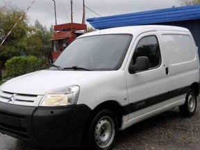 Передние двери Peugeot Partner Citroen Berlingo
