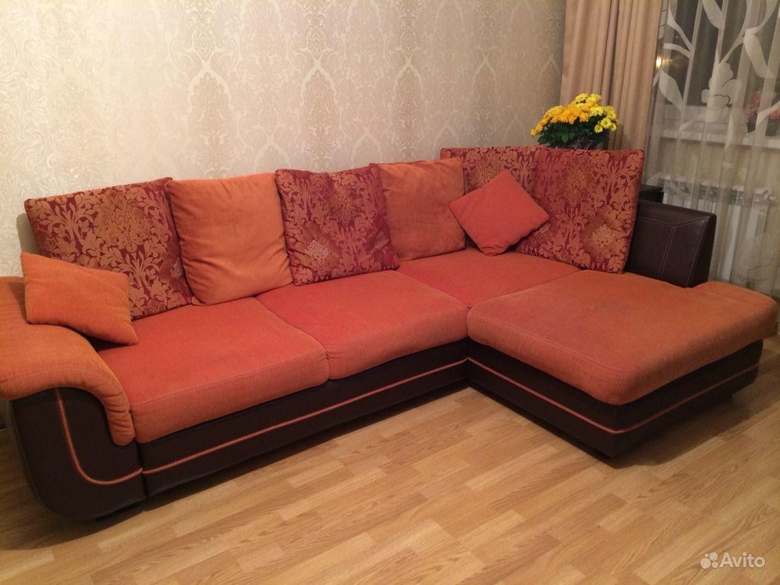 Интерьер с диваном амстердам
