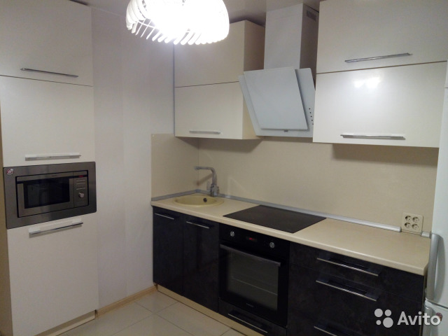 Продается двухкомнатная квартира за 2 750 000 рублей. Первомайский район, Киров, Заводская улица, 6.