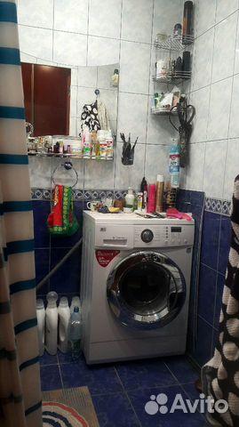 Продается двухкомнатная квартира за 3 280 000 рублей. Мурманск, улица Героев Рыбачьего, 37, подъезд 2.