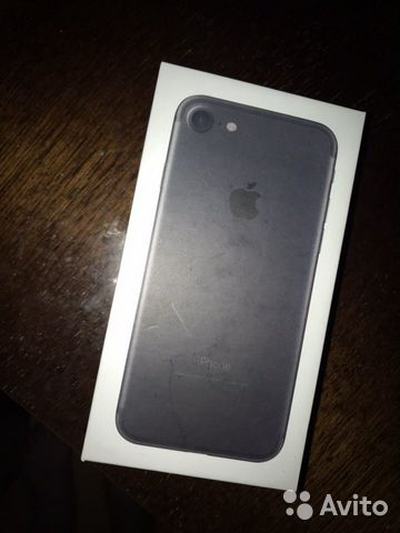 Коробка iPhone 7