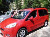 Водитель с личным автомобилем универсал Пежо Партн